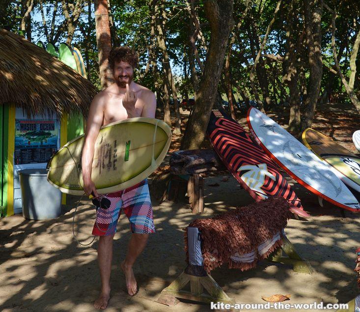 Martin Stinkefinger surfen