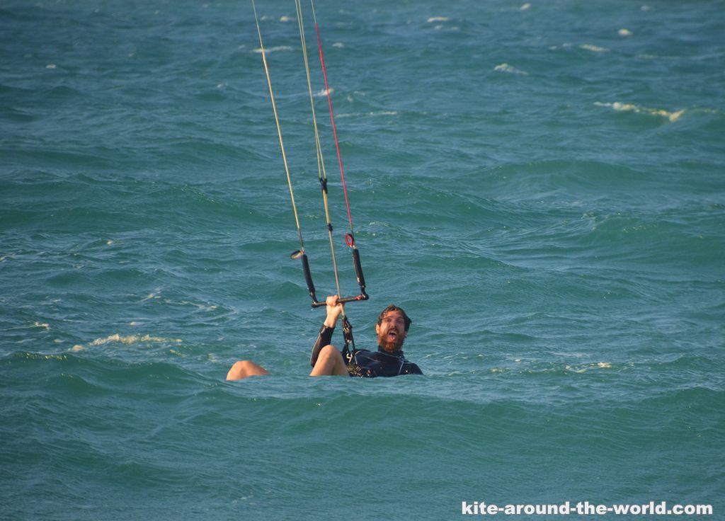 Martin Kite sitzt im Wasser