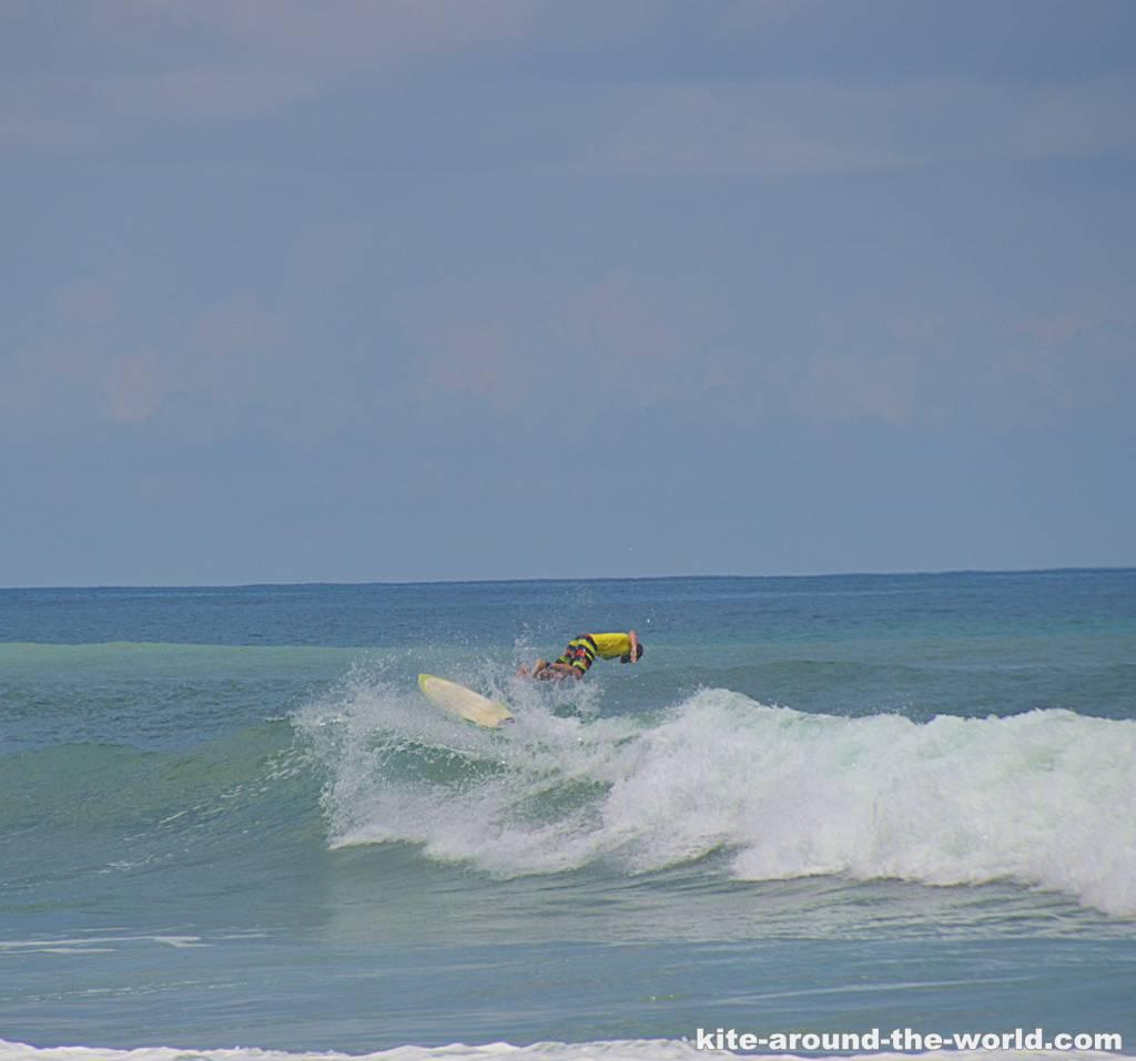 Martin springt in Welle